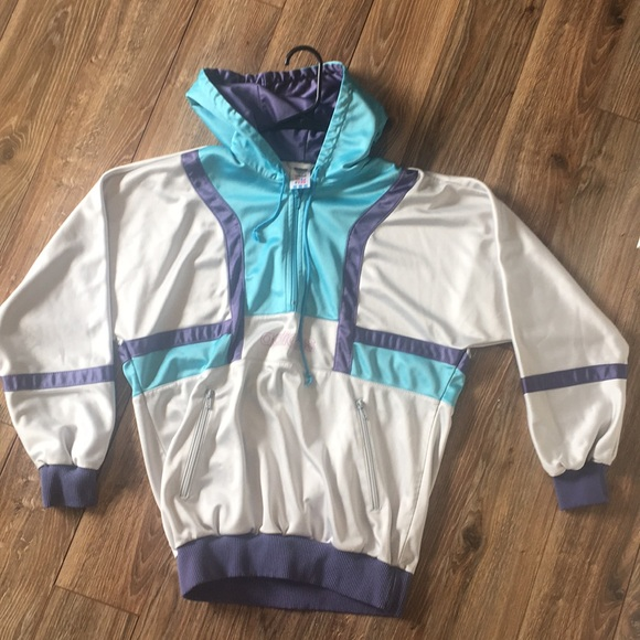 0c755370f5 Adidas vintage size US M polyester pullover hoodie